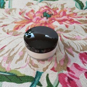 BN Laura Mercier translucent setting powder